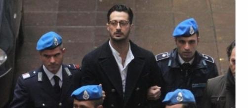 Fabrizio Corona portato in carcere a Milano.