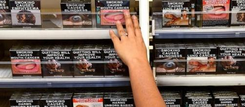 Plain packaging in Australia with health warnings