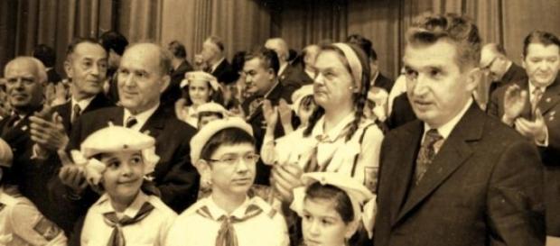 Pionieri ai patriei, Ponta si Nicolae Ceausescu