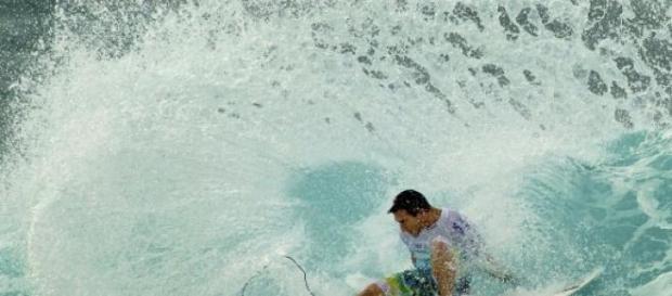 Surfista Ricardo dos Santos é morto a tiros