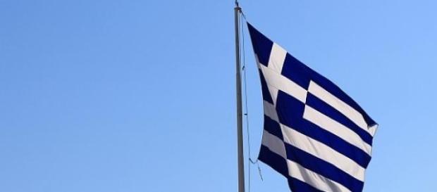 Una bandiera della Grecia prima delle elezioni