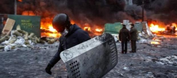 Ucrania: misiles matan a 30 en Mariupol