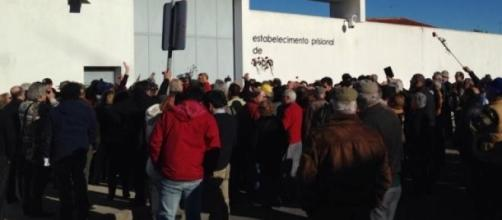 300 pessoas apoiaram José Sócrates.