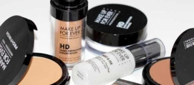 A special makeup kit for every woman