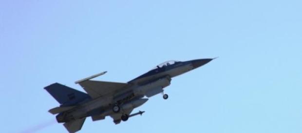 Avião participava num programa de treino da NATO.