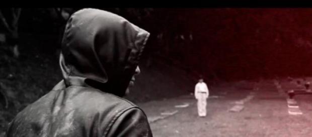"""Canserbero en el video-clip de """"C'est la Mort"""""""