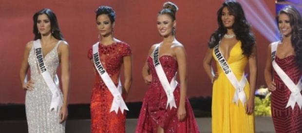 Paula Vega - Columbia este  Miss Univers 2015
