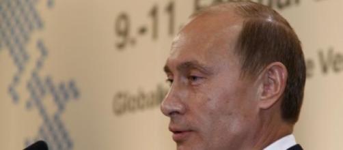 Putin proibe a maior parte das importações.