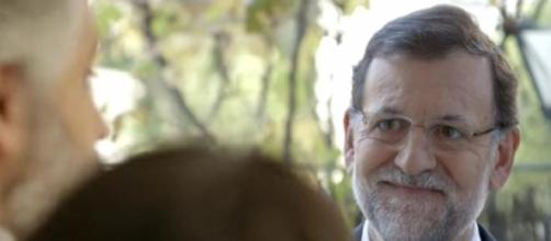 Rajoy llama a la puerta de los españoles