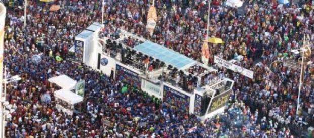 A alegria do carnaval de Salvador