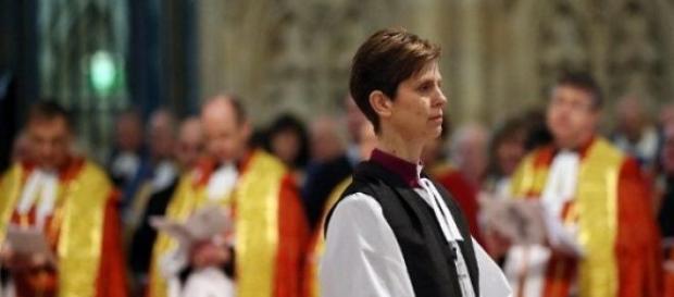 Consacrata la prima donna vescovo in Inghilterra