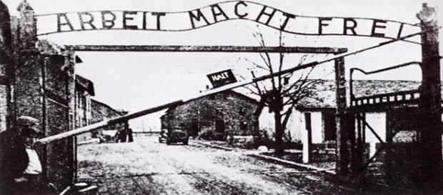 Entrada al campo de exterminio de Auschwitz