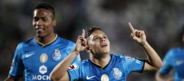 """FC Porto e Sporting podem garantir """"meias""""."""