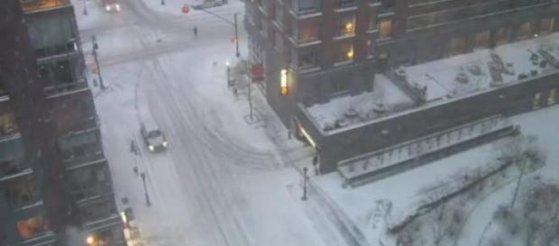 Tempesta di neve a New York, città fantasma