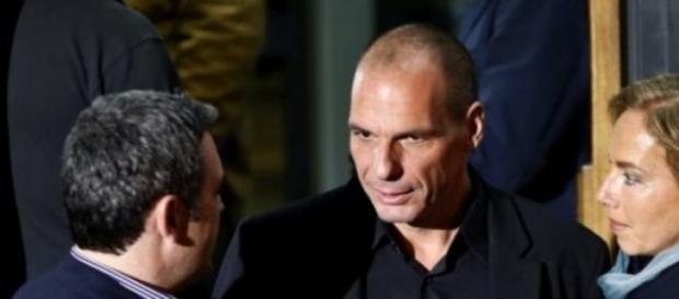 Varoufakis defende a permanência da Grécia no Euro