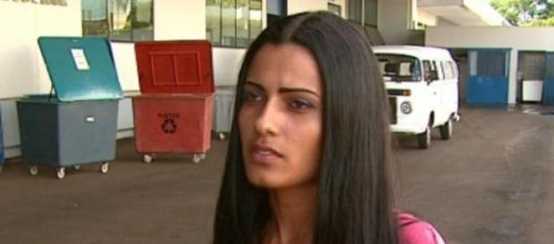 Catadora encontra e devolve R$250.000,00