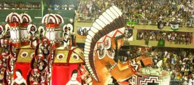 Desfile da escola de samba Mangueira