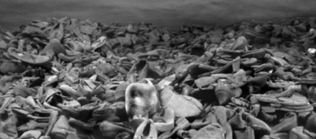 Imagens cruéis de extermínio humano