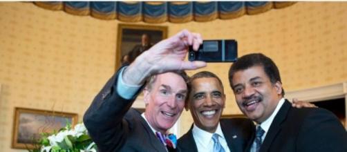 Ni Barack Obama escapa al encanto de las 'selfies'