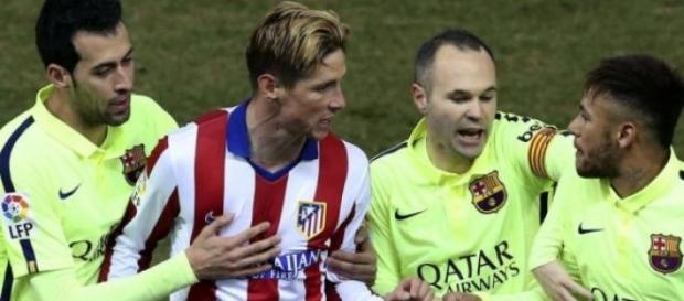 Fernando Torres encarándose con Neymar