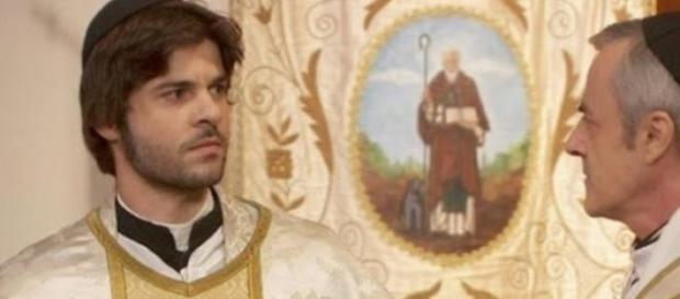 Gonzalo denuncia don Celso lascia l'abito talare