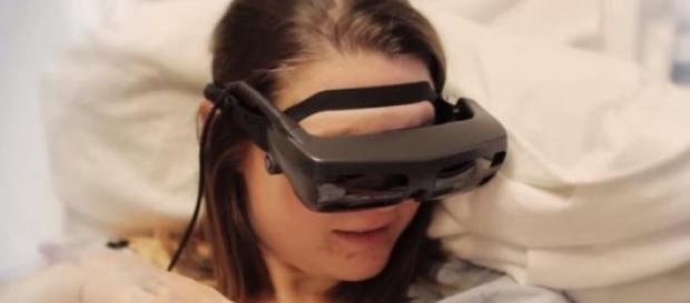 Ochelari eSight si mama nevazatoare