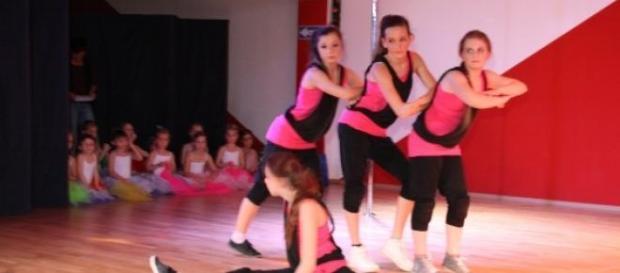 Wirklich cool sind die Mädchen beim Hip-Hop-Tanz.