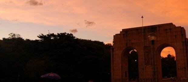 A Redenção no fim da tarde de Porto Alegre