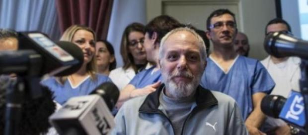 Pulvirenti, il medico Emergency, sconfigge l'Ebola