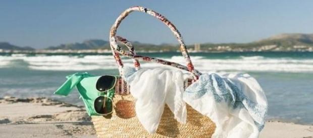 Productos infaltables en tu bolso de playa
