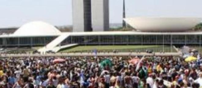 Protesto de movimentos populares em frente ao Congresso Nacional acontecerá na posse de deputados e senadores, Domingo promete ter grande movimentação popular na Capital Federal e atrai a atenção pública para BGrasília.