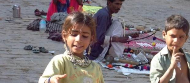 Pobreza y discriminación de niños gitanos