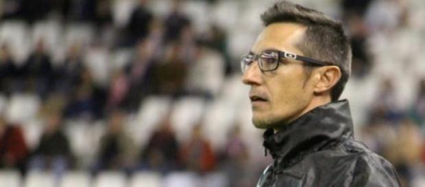 Segundo entrenador del Alba