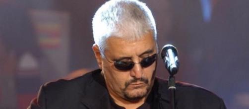 Pino Daniele cantautore napoletano.