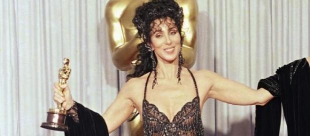 Cher con su vestido de trasnparencias