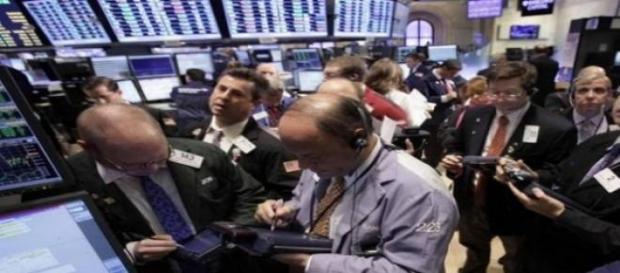Lunedì nero per le Borse europee, bruciati 200 mld
