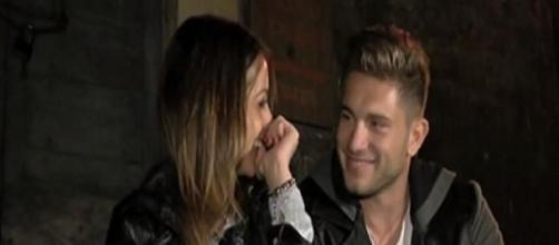 Salvatore e Teresa si son baciati in esterna?