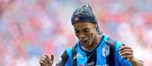 Ronaldinho se acabó la fiesta y regresó a trabajar