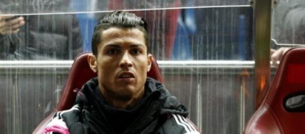 Cristiano en el banquillo del Vicente Calderón