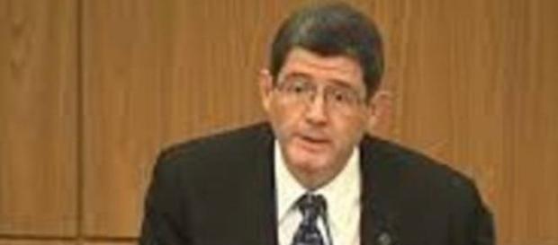 Ministro em discurso prevê reajuste dos tributos