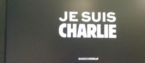 Frase solidaria con la revista 'Charlie Hebdo'