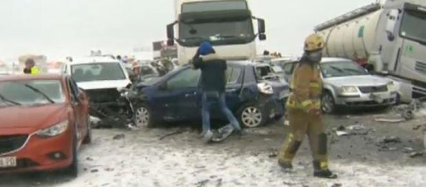 accidente in lant din cauza poleiului