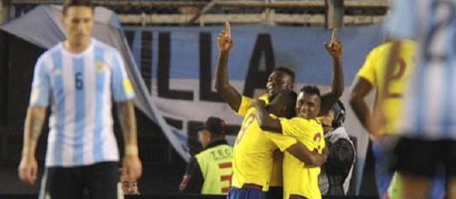 Ecuador en el festejo de uno de los goles.