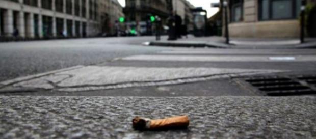 En París recogen 350 toneladas de colillas por año