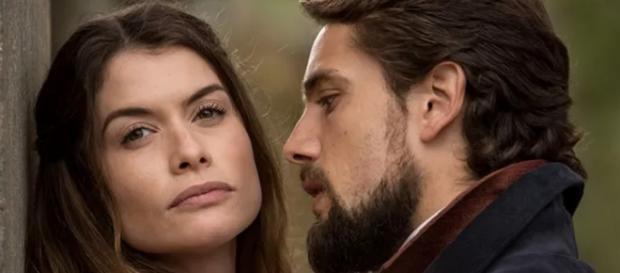 Felipe ajuda Lívia a tirar Bernardo