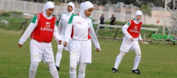 Reprezentantki Iranu grające w piłkę nożną