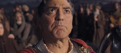 George Clooney nei panni di Giulio Cesare
