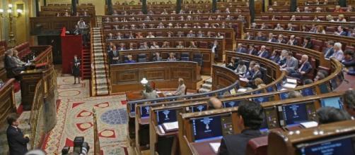 PSOE-Podemos y PP-Ciudadanos sin mayoría absoluta