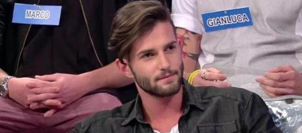 Andrea dichiara che non ha tradito Valentina