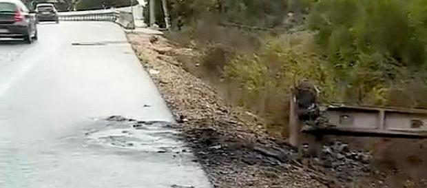 Carro terá incendiado depois de chocar com poste